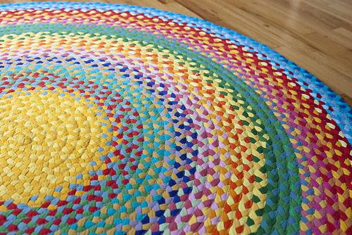 rainbow-tshirt-rug