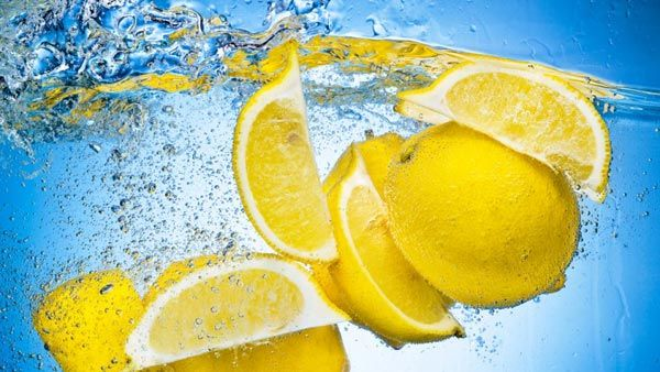 Benefits-of-hot-lemon-water